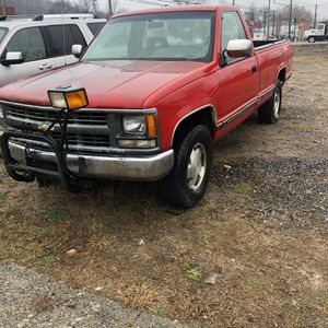 1994 Chevrolet Silverado 4x4 With Plow !! for Sale in East Haven, CT