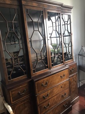 "Antique ""Baker"" (brand) China cabinet for Sale in Fort Lauderdale, FL"