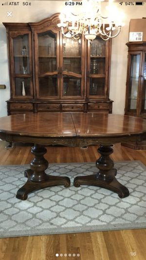 Walnut Dining table and 6 chairs for Sale in San Jose, CA