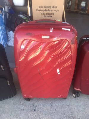 Red Bruno manfred suitcase for Sale in Las Vegas, NV