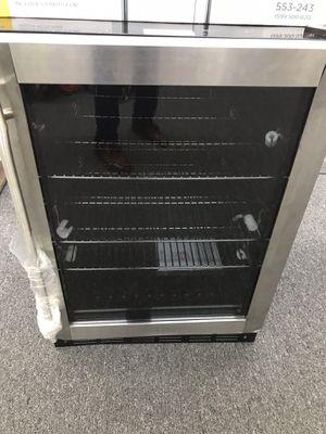 Magic chef mini fridge for Sale in Austell, GA