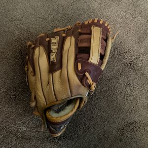 Valkyrie Louisville Slugger Glove, Lefthand for Sale in Phoenix, AZ
