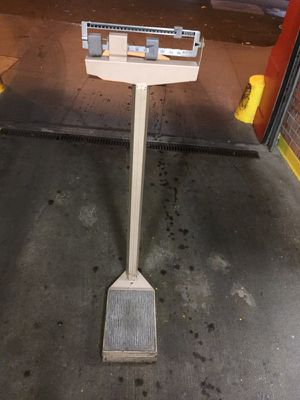 Detecto 350 lb scale antique for Sale in New York, NY