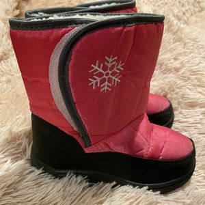 Girl Size 1 Snow Boots for Sale in Gardena, CA