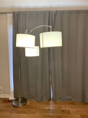 Floor lamp for Sale in Hoffman Estates, IL