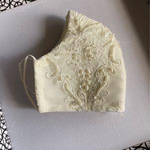 Bride Face Mask / Mascarilla Para Novia for Sale in Cypress, TX