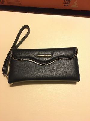 Rebeccaminkoff charging wallet for Sale in Chicago, IL