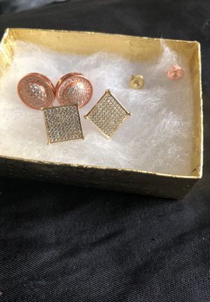 Gold diamond earrings for Sale in Washington, DC
