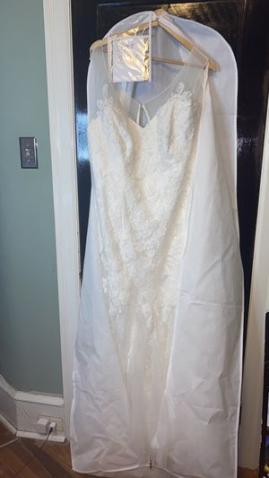 ILLUSION TANK WEDDING GOWN/DRESS for Sale in Philadelphia, PA