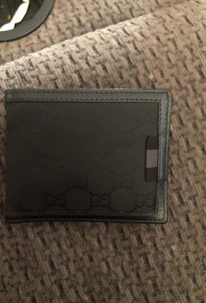 Gucci wallet cost me $220 asking $100 for Sale in Modesto, CA