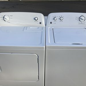 Kenmore 100 series matching washer and dryer set for Sale in Des Moines, WA