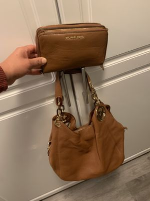 Michael Kors purse with matching wallet for Sale in Lynwood, CA