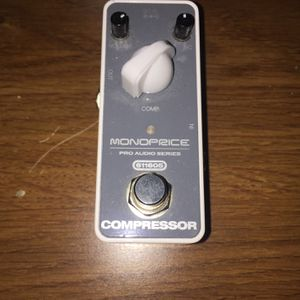 MONOPRICE COMPRESSOR PRO AUDIO SERIES DC9Volt PRACTICALLY NEW for Sale in Las Vegas, NV