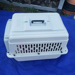 Pet Carrier for Sale in Verona,  PA