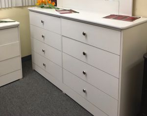 New compressed wood dresser jumbo 9 drawers for Sale in Lakewood, CA