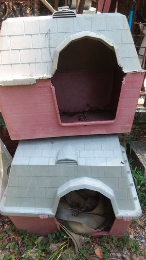 Dog house & bird cage for Sale in Decatur, GA