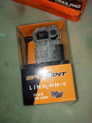 Trail cameras plus hand held sd veiwer for Sale in Highlands, TX