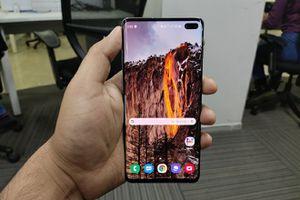 Samsung galaxy s10 phone for Sale in Clovis, CA