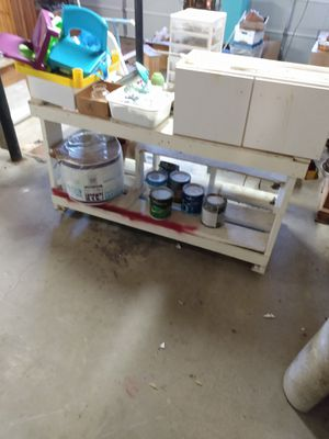 FREE 6' work bench on rollers for Sale in Dallas, GA