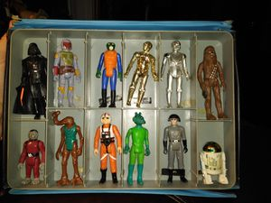Very collectable ;1977,1978 original Star war action figures for Sale in Burleson, TX