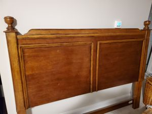 King Bed frame for Sale in Hope Mills, NC