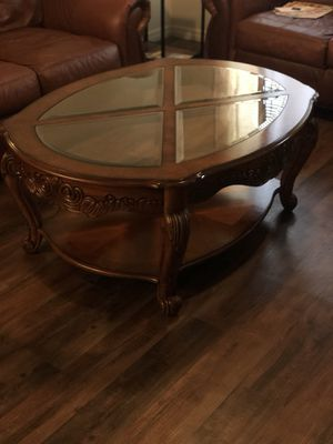 ANTIQUE COFFEE TABLE for Sale in Lake Wales, FL
