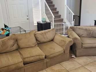 Free Couch and Chair! for Sale in Surprise,  AZ