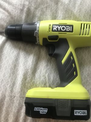 Like new drill- used a couple times for Sale in Bettendorf, IA