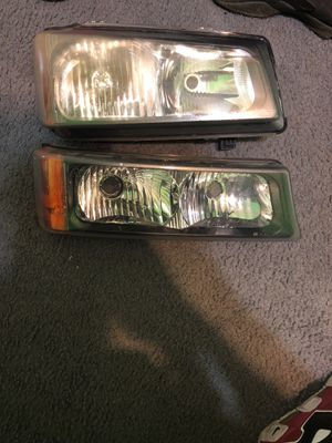 06 Chevy Silverado headlights for Sale in Oxon Hill, MD