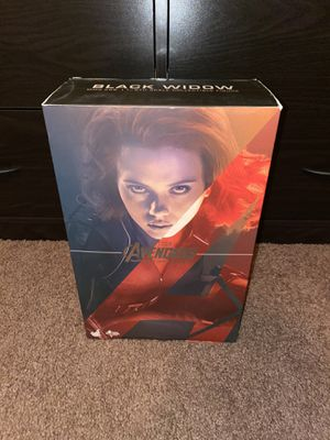 Hot Toys Black Widow MMS288 + Captain America Helmet(Description⬇) for Sale in Escondido, CA