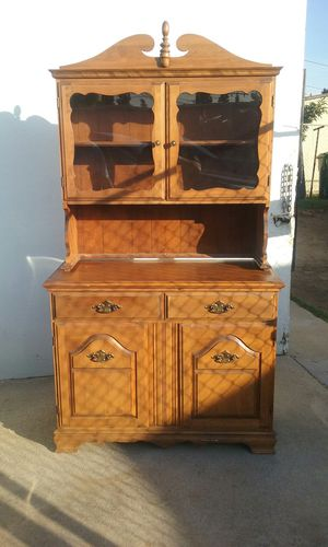 Antique China Cabnet for Sale in Whittier, CA