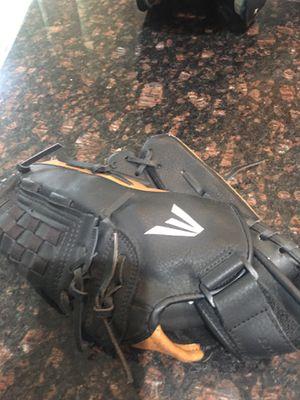 Easton baseball glove for Sale in San Diego, CA