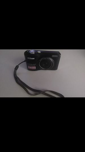 Nikon Camera. Perfect condition. Cheap. for Sale in Rochester Hills, MI