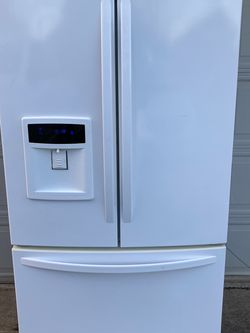 Kenmore French Door Refrigerator for Sale in Oregon City,  OR