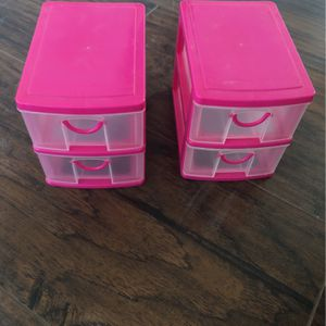 $2 For Both Mini Containers for Sale in MD, US