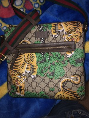 Gucci bag for Sale in Moreno Valley, CA