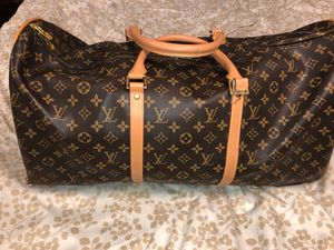Authentic Louis Vuitton duffle bag for Sale in Naugatuck, CT