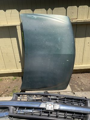 OEM Silverado front end parts 99-02 NOT HD for Sale in Fresno, CA