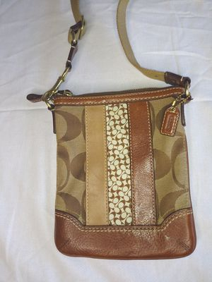 Coach purse for Sale in Hayward, CA