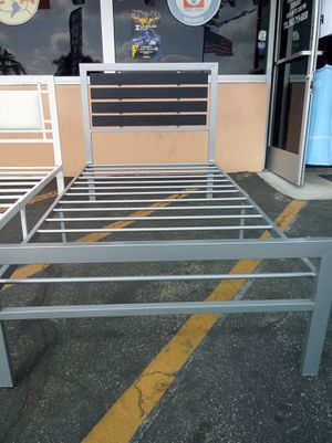 Metal bed frame twin size for Sale in Los Angeles, CA