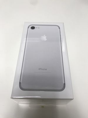 iPhone 7 Unlocked Warranty for Sale in Coral Gables, FL