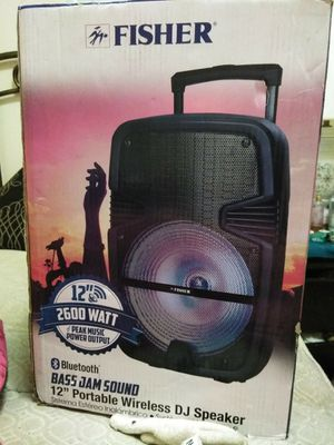 Fisher 2600 watts peak Bluetooth speaker with am fm radio works excellent I also have a year warranty on it also comes with a remote control for Sale in Harrisonburg, VA