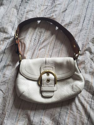 Vintage COACH Pebble Soho Hobo Leather Beige Small # M 077311840 for Sale in Denver, CO