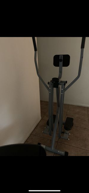 Sunny Health Fitness Air Walker Trainer. for Sale in Buena Park, CA