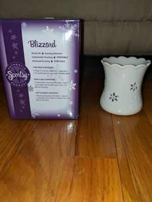Scentsy plug in warmer for Sale in Brook Park, OH