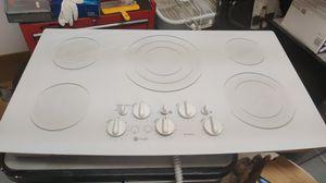 G.E. Profile 5burner glass electric cooktop for Sale in Boulder City, NV