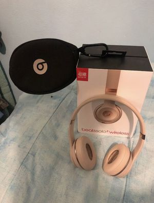 Beats Solo 3 wireless matte Gold for Sale in Columbus, OH