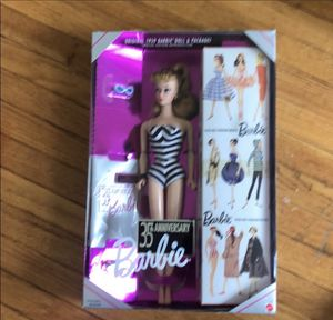 35th anniversary Barbie perfect condition for Sale in Nashville, TN