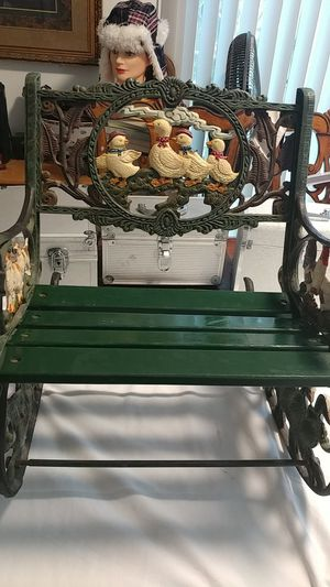 ANTIQUE METAL DOLL OR CHILD ROCKING CHAIR 16 inw x 19in lenght for Sale in Pico Rivera, CA