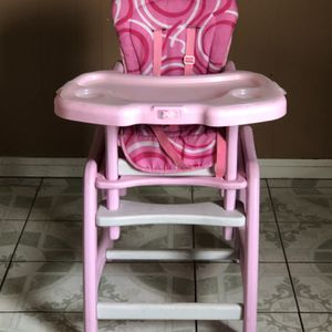 CONVERTIBLE 3 In 1 HIGH CHAIR for Sale in Riverside, CA